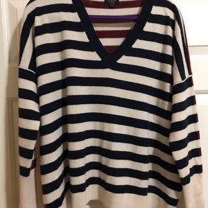 JCrew V-neck boyfriend cashmere sweater LG